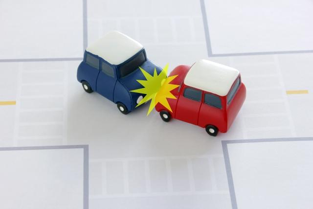 夢占い「車をぶつけられる」という夢の診断結果4選