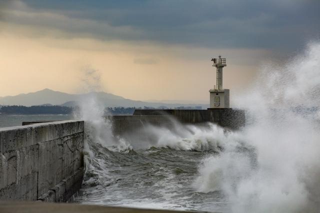 夢占い「津波から助かる」夢の診断結果