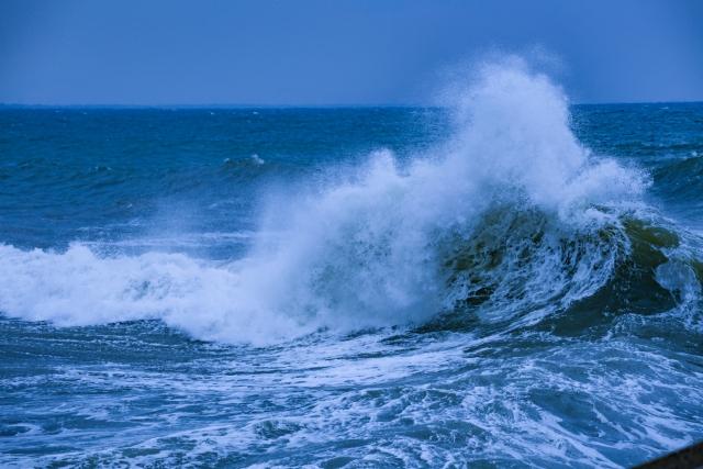 夢占い「津波から逃げる」夢の診断結果