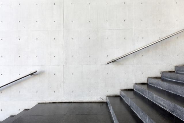 夢占い「階段を下りる」夢の診断結果6選