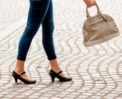 夢占い「靴をもらう」夢の診断結果8選