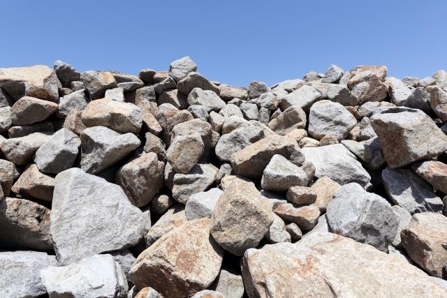 夢占い「石」に関する夢の診断結果17選
