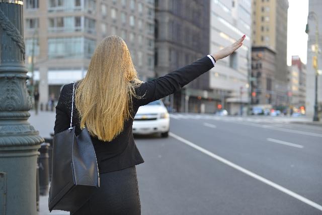 夢占い「タクシーに乗る」夢の診断結果