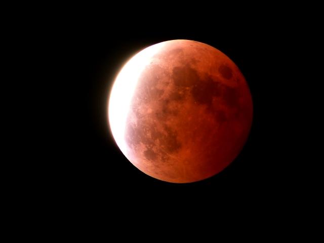 夢占い「赤い月」に関する夢の診断結果