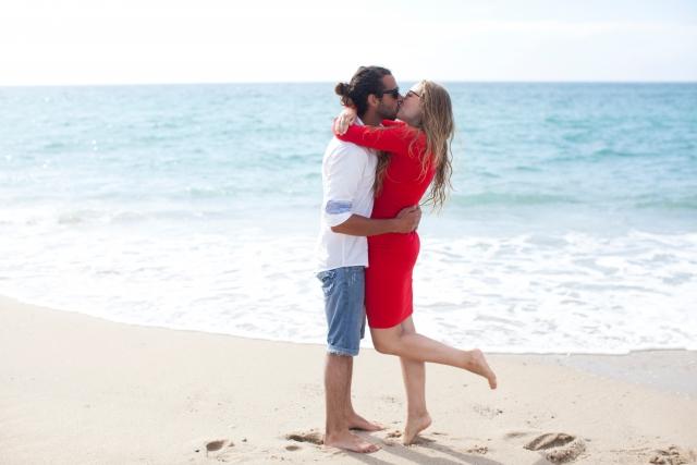 夢占い「抱き合う」に関する夢の診断結果